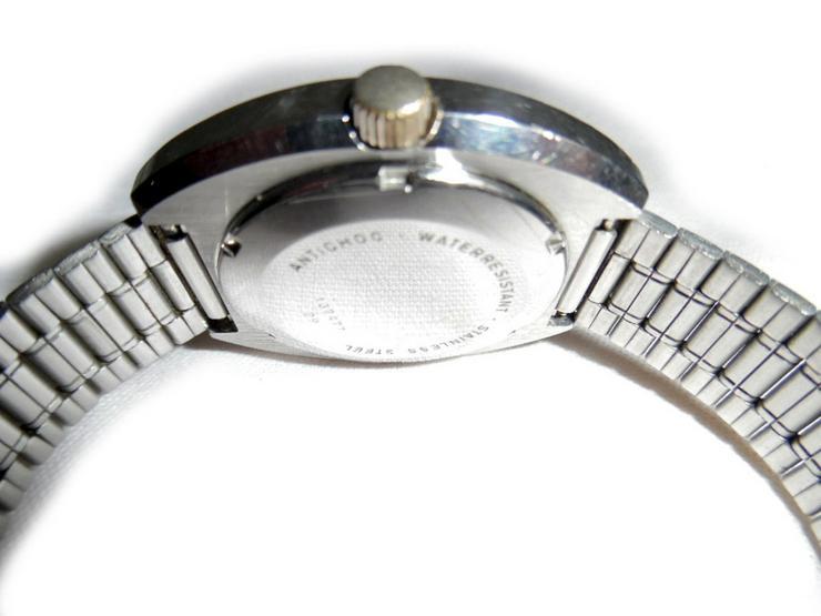 Bild 4: Große Armbanduhr von Dugena