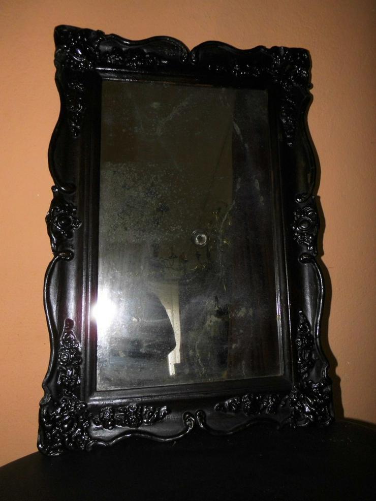 Antiker Spiegel mit dunklem Holzrahmen, Stuck-