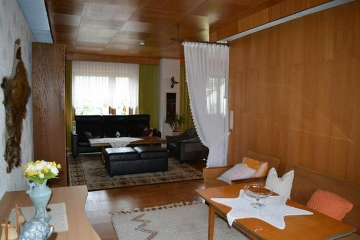 Bild 6: ORENHOFEN: Ein- Zweifamilienhaus 127 qm - Ausbaureserven - Garage und einer Werkstatt in N...