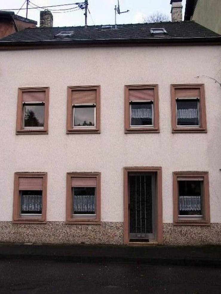 NEUERBURG 5 Zimmer Bad Küche Ölzentralheizung - Haus in ruhiger Nebenstraße Nähe Schul... - Haus kaufen - Bild 1