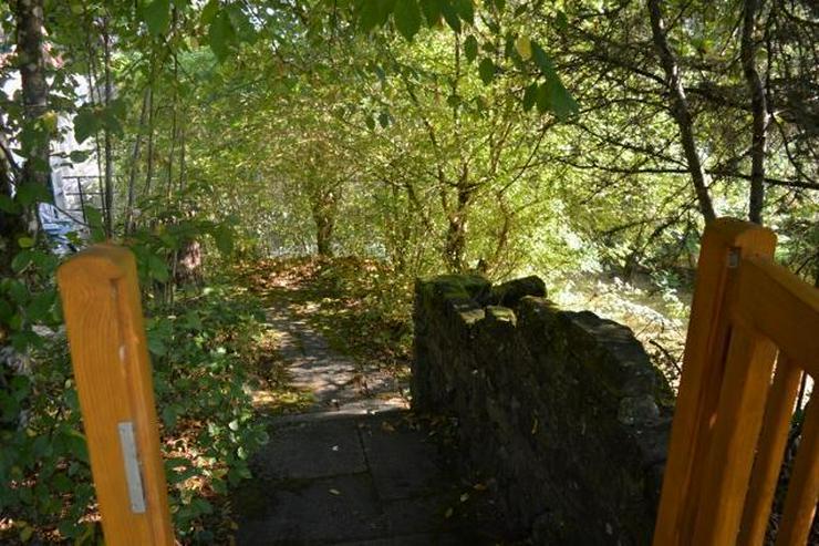 Bild 2: Herrlich gelegenes Einfamilienhaus mit Terrasse, Garten und tollem Ausblick