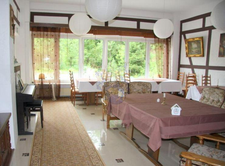 Bild 2: Renoviertes Gästehaus mit Gastronomie & 8 Zimmern in idyllischer Lage von Gummersbach -5 ...