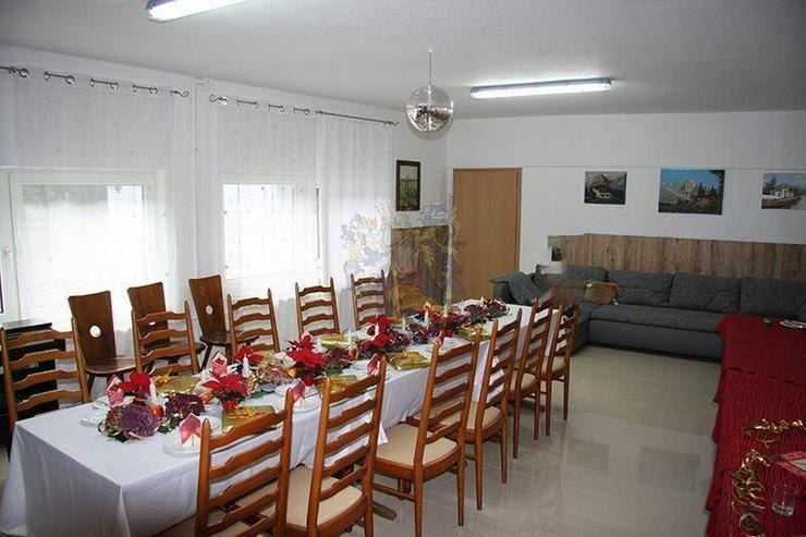 Bild 4: Renoviertes Gästehaus mit Gastronomie & 8 Zimmern in idyllischer Lage von Gummersbach -5 ...