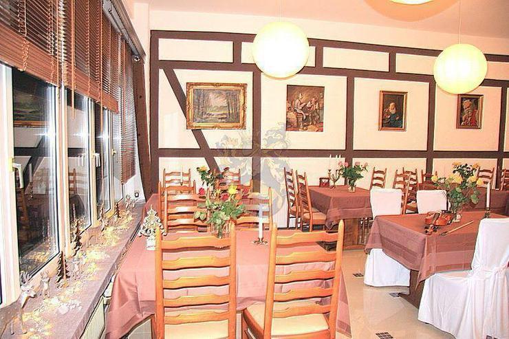 Bild 3: Renoviertes Gästehaus mit Gastronomie & 8 Zimmern in idyllischer Lage von Gummersbach -5 ...