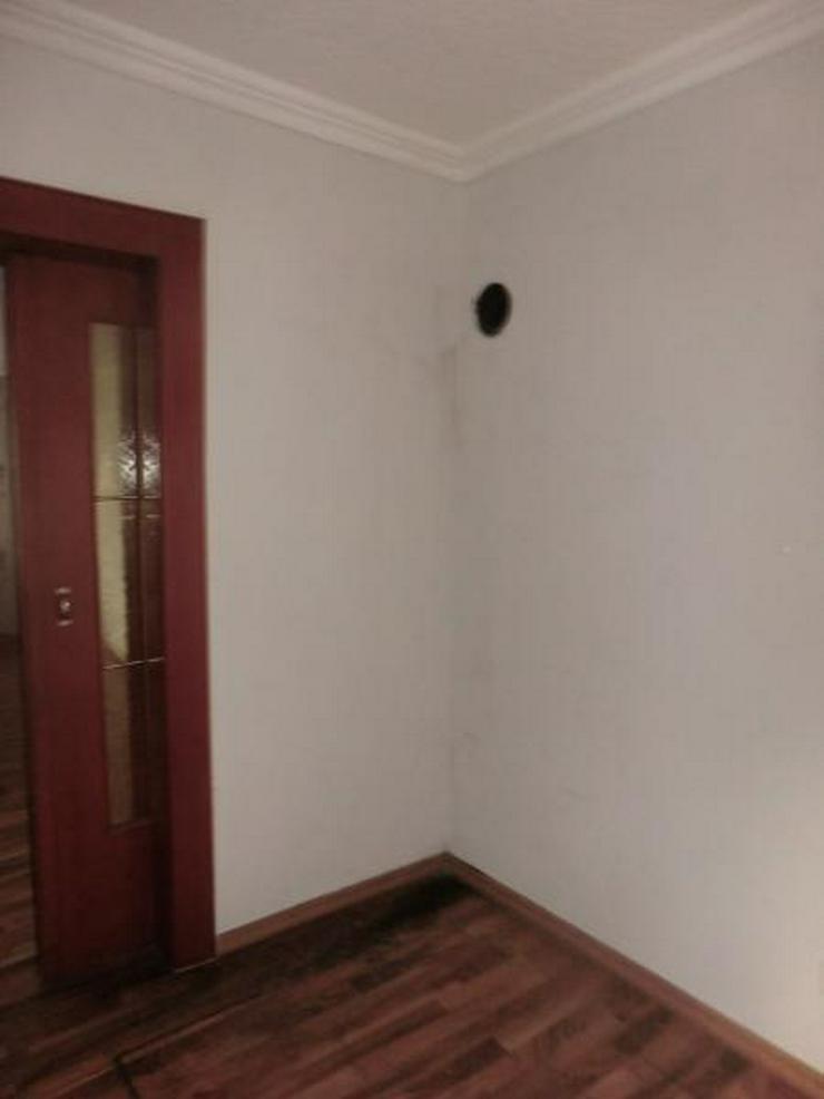 Bild 4: 7 Zimmer warten auf einen Kreativen neuen Eigentümer