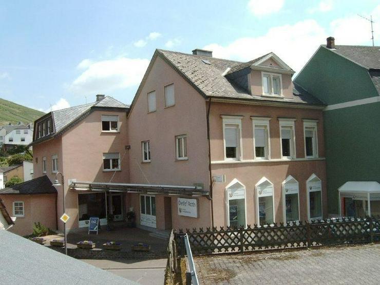 WALDRACH - Geräumiges Ladenlokal oder Büro 78 qm mit werbewirksamen Schaufenster in zent...