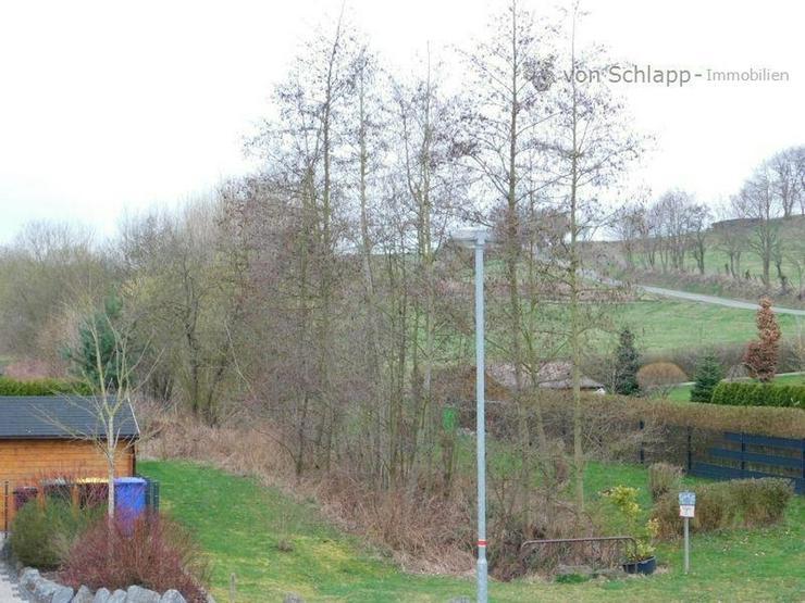 Bild 2: RABENAU ? OT: Neu saniertes 2-Familienhaus mit Garten und Dachterrasse!