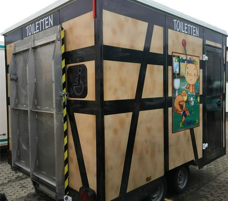 Bild 1: Toilettenwagen mit Behinderten WC  + Kinder WC