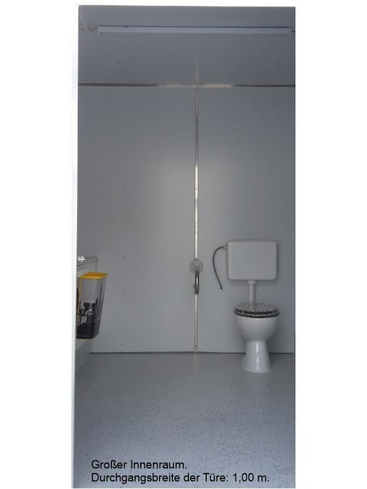 Bild 2: Toilettenwagen mit Behinderten WC  + Kinder WC