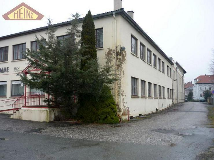 Gebäude mit Zwischengebäude zu vermieten