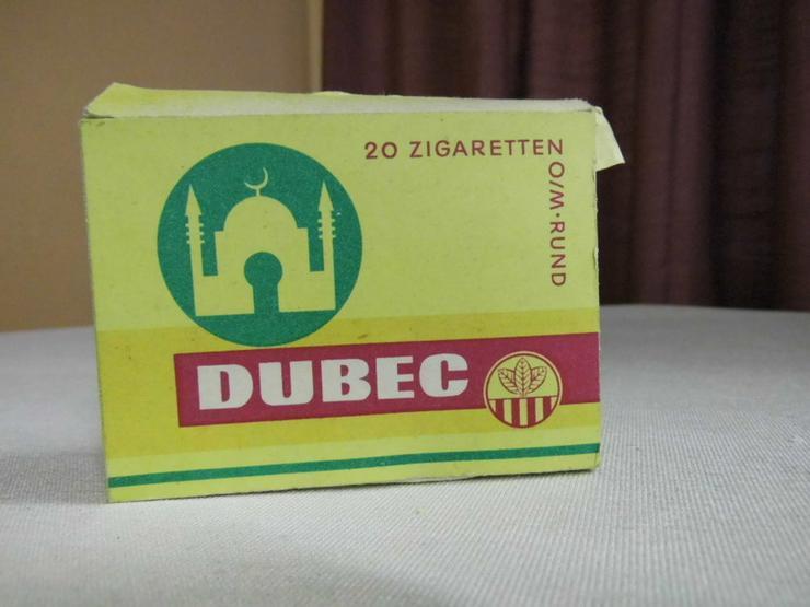 Seltene Zigarettenschachtel Marke Dubec um 195
