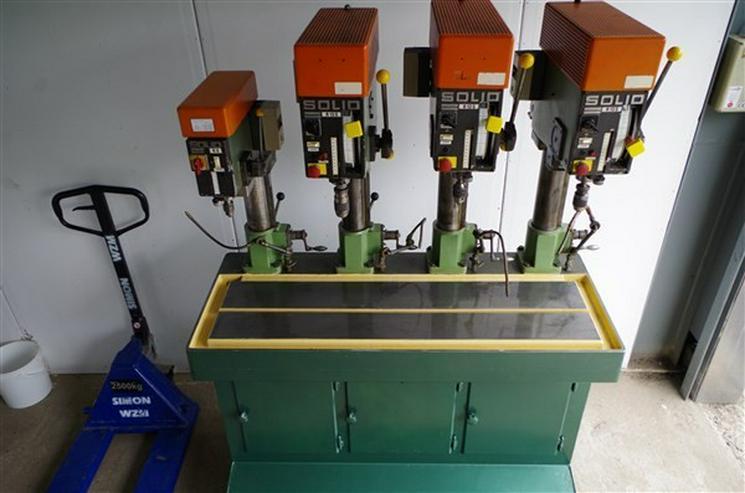 Reihenbohrmaschine SOLID R 13 S mit 4 Stationen