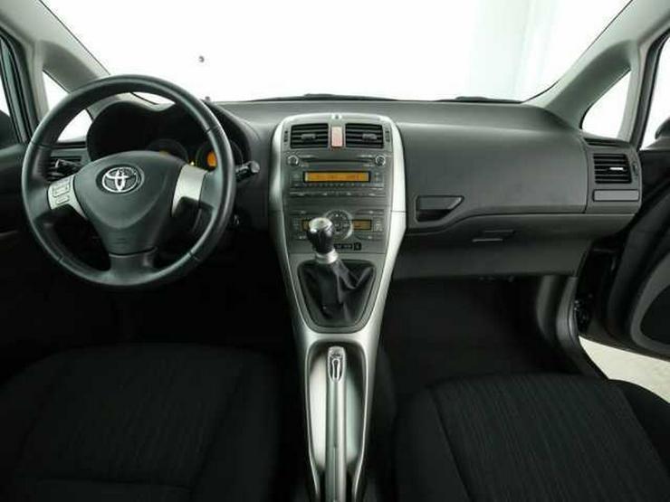 Bild 4: TOYOTA Auris 1.4 VVT-i Sol Klimaautomatik CD/MP3 ESP