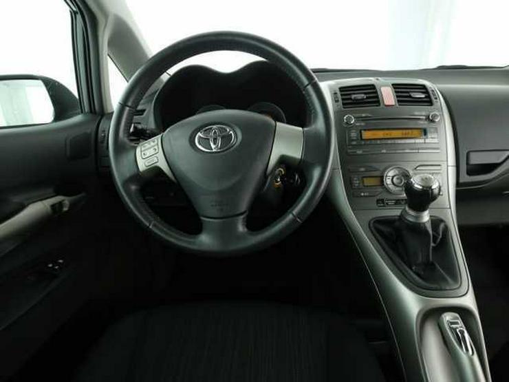Bild 5: TOYOTA Auris 1.4 VVT-i Sol Klimaautomatik CD/MP3 ESP