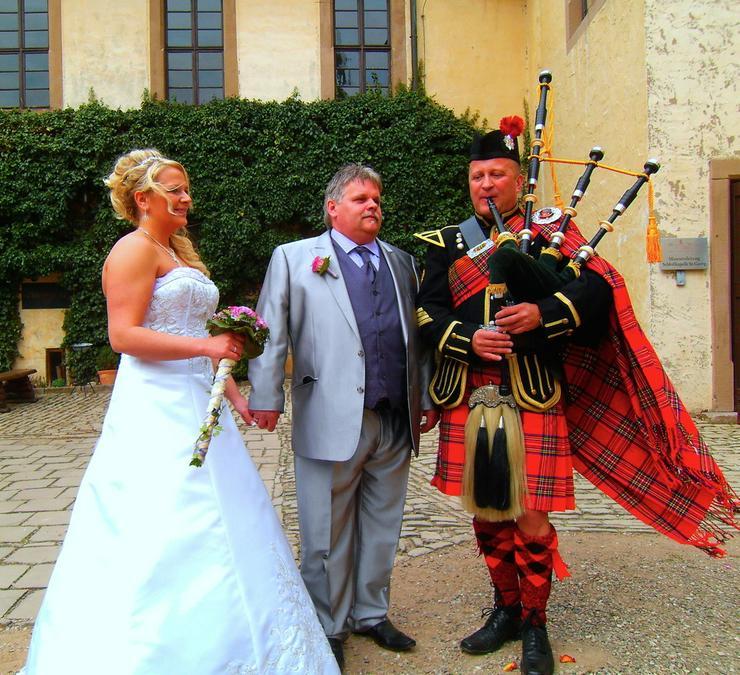 Bild 3: Wedding Piper - Hamburg - Dudelsackspieler
