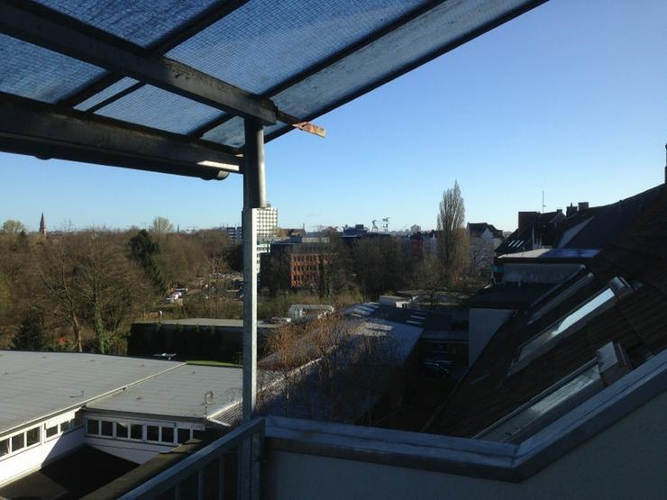Bild 6: Altbau mit Blick über die Dächer