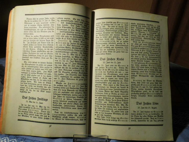 Bild 3: 4 antike astrologische Bücher / Weltrhytmuskal