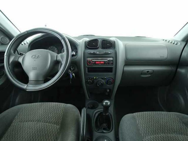 Bild 4: HYUNDAI Santa Fe 2.4 4WD Klima 1.hand Alu
