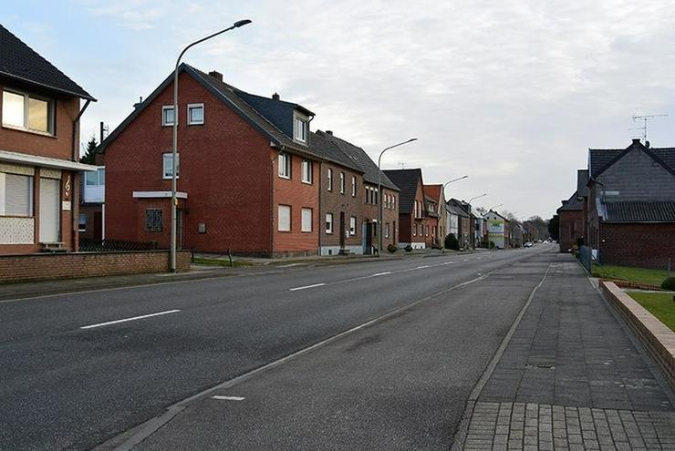 Geilenkirchen-Gillrath: Einfamilienhaus 3 ZiKDB mit großem Grundstück/Garten - Haus kaufen - Bild 1