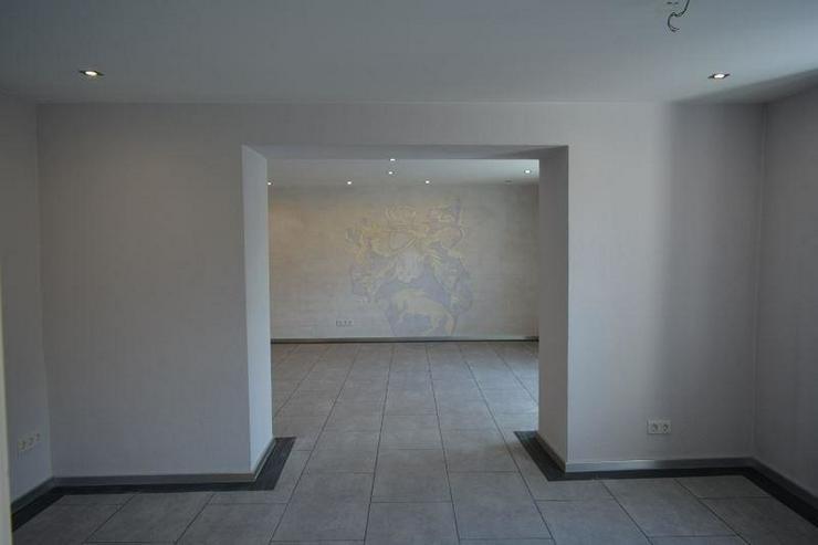 Bild 5: Schönes Einfamilienhaus - 160 qm - mit sonnigen Terrasse und Garten ? direkt zum einzie...