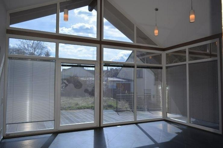 Bild 3: Schönes Einfamilienhaus - 160 qm - mit sonnigen Terrasse und Garten ? direkt zum einzie...
