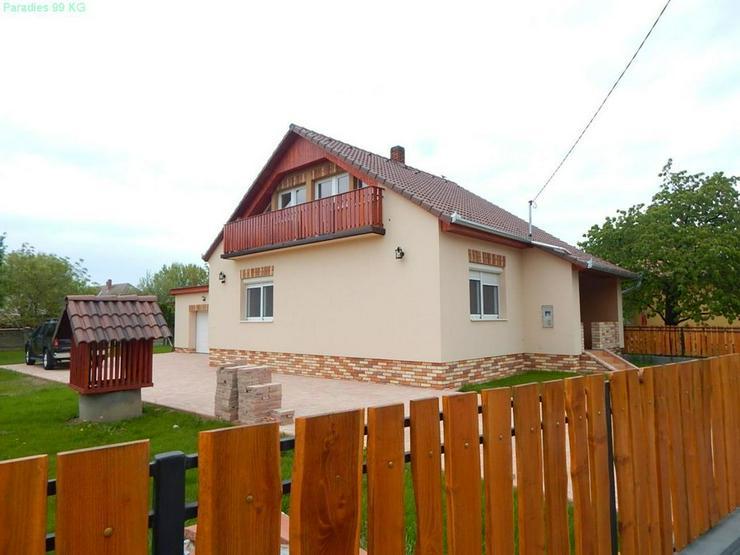 Bild 2: Neuwertiges Wohnhaus in Plattenseenähe