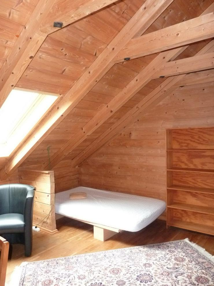 Bild 2: Möbl. Zimmer in Holzhaus ab 1. November 2018