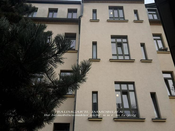 Bild 2: KAPITALANLAGE - Dachgeschosswohnung - gut aufgeteilte 3 Zimmer mit Einbauküche -