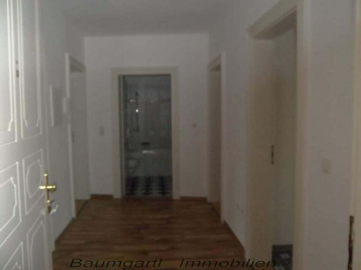 Bild 6: KAPITALANLAGE - Dachgeschosswohnung - gut aufgeteilte 3 Zimmer mit Einbauküche -