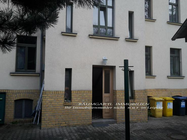 Bild 3: KAPITALANLAGE - Dachgeschosswohnung - gut aufgeteilte 3 Zimmer mit Einbauküche -