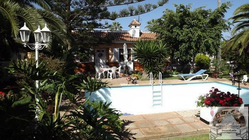 Einfamilienhaus in Ruhiger Lage mit Garten und Pool - Haus kaufen - Bild 1