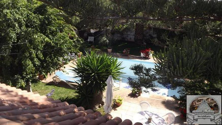 Bild 2: Einfamilienhaus in Ruhiger Lage mit Garten und Pool