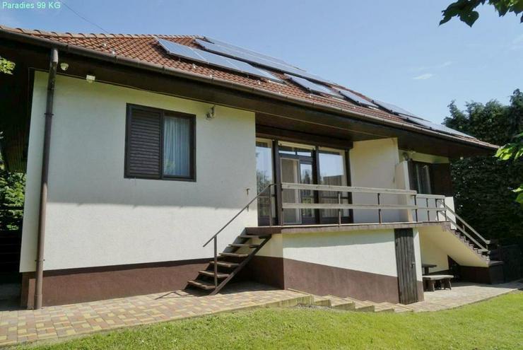 Bild 1: Wohnhaus bei Thermalbad