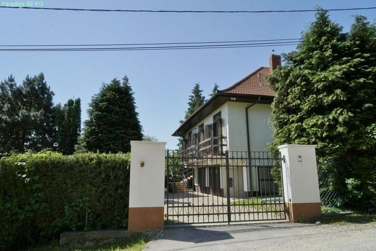 Bild 3: Wohnhaus bei Thermalbad