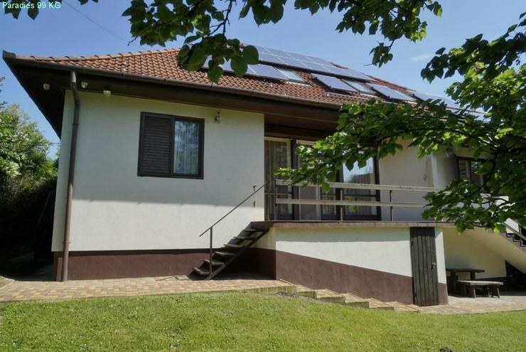 Bild 8: Wohnhaus bei Thermalbad