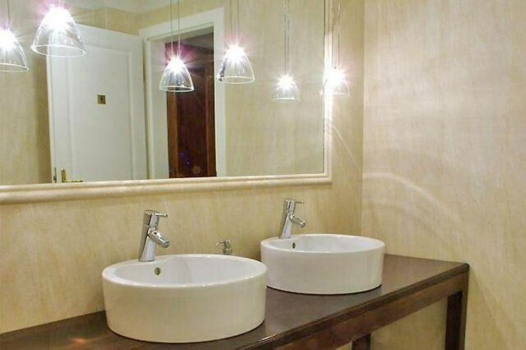 Bild 5: Schloss (Hotel) mit Pferdestall auf 35000 qm Land zu verkaufen!