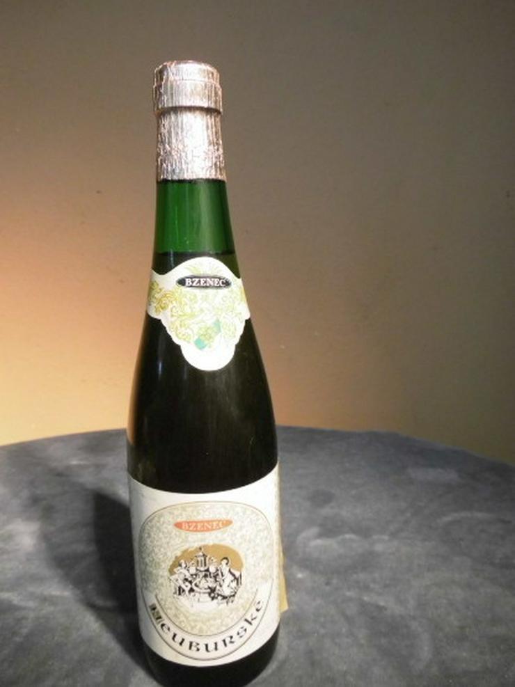 1 Flasche alter Weißwein NEUBURSKE, CSSR 1983,