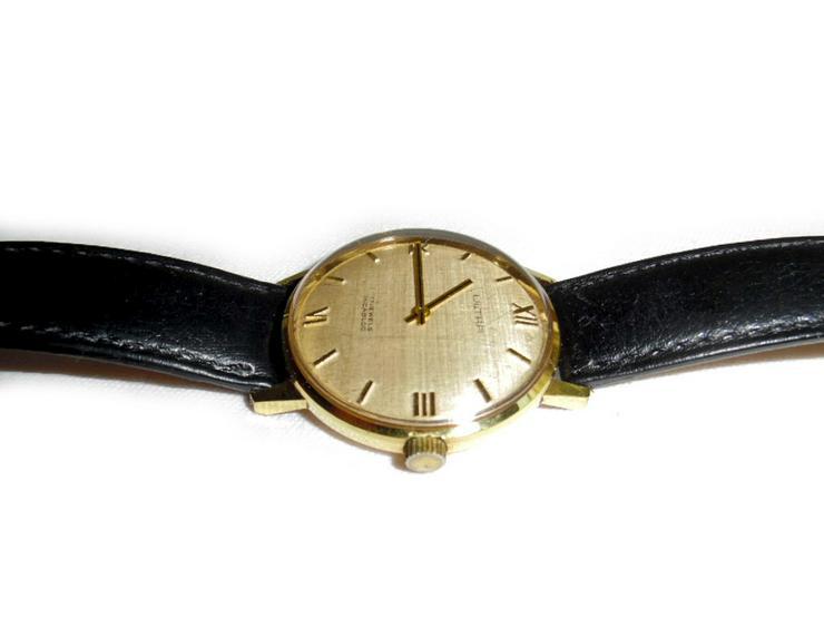 Bild 3: Elegante Armbanduhr von Ultra