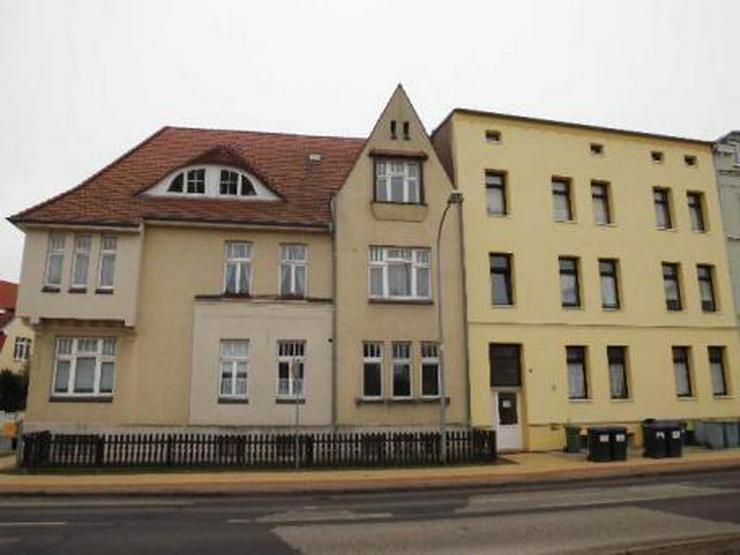 SUCHE NACHMIETER ! 2-Zi-Mietwohnung / Schweriner Straße - 18273 Güstrow - im (re.) - Bild 1