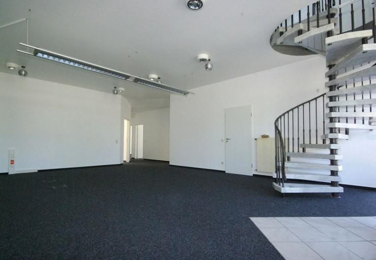 Repräsentatives Bürogebäude mit 14 Parkplätzen