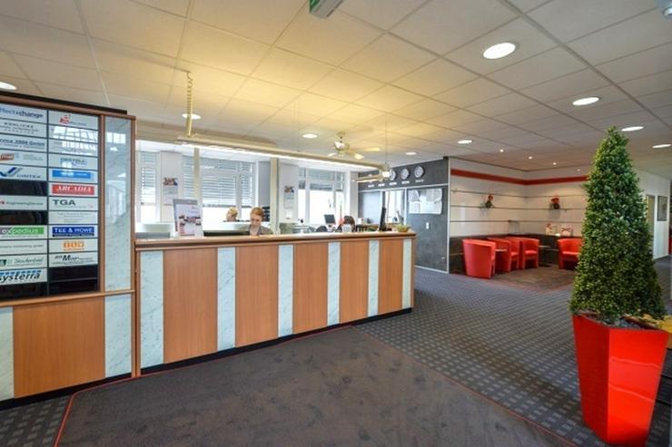 Bild 3: flexible Arbeitsplätze ab mtl. 110,- und kleine Büros ab 13m² sowie Meetingräume bis 2...