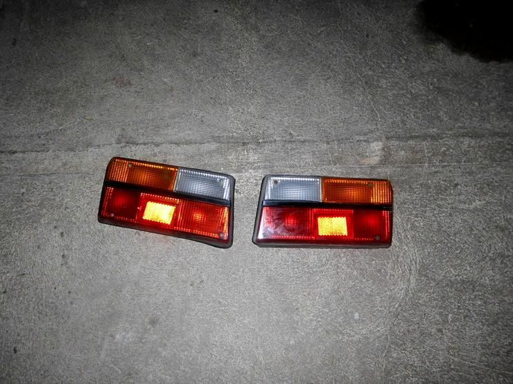 Dacia 1310 2 Heckleuchten - Scheinwerfer, Blinker & Rückleuchten - Bild 1