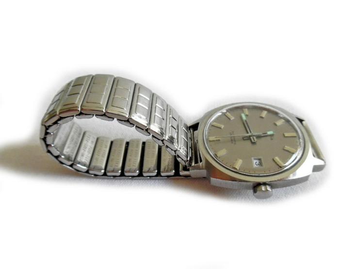 Bild 2: Große Armbanduhr von Koha Automatic