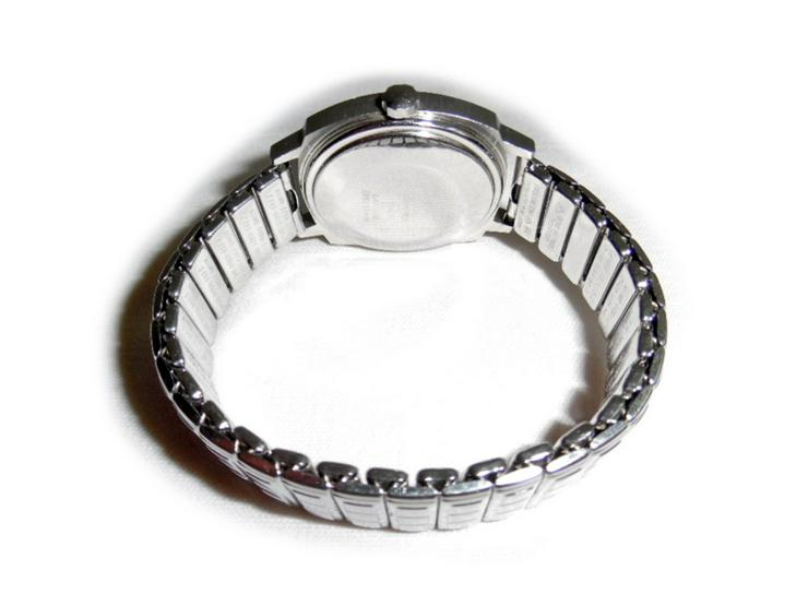 Bild 3: Große Armbanduhr von Koha Automatic
