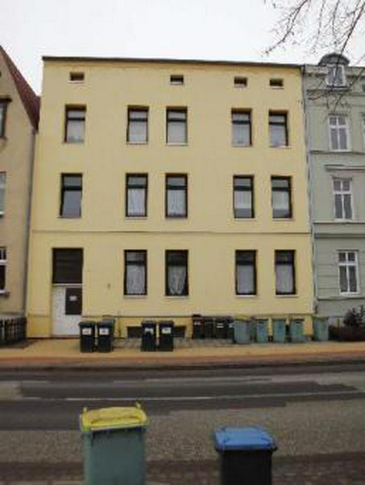 Bild 2: STOP! NEST FÜR SINGLES - 2-Zi-Mietwohnung / Schweriner Straße - 18273 Güstrow - in Män...
