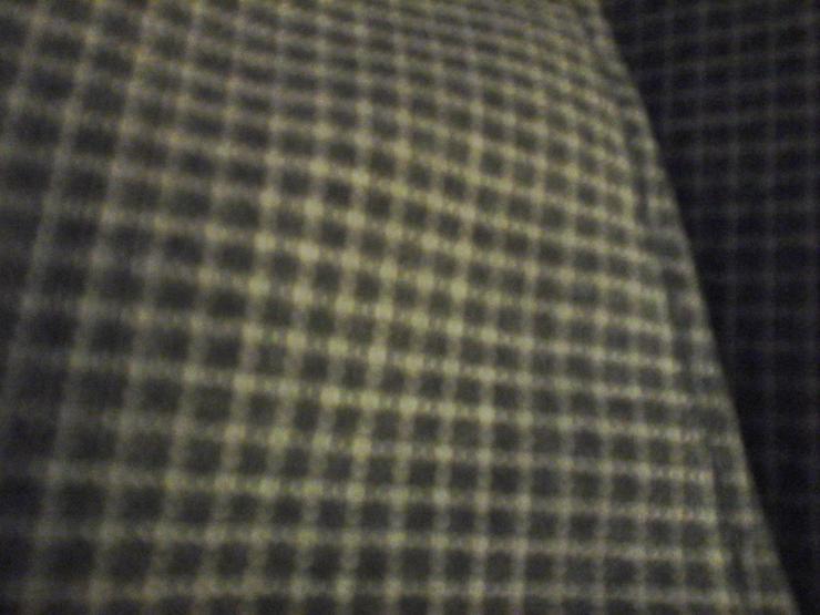 Bild 2: schwarz graue Hose