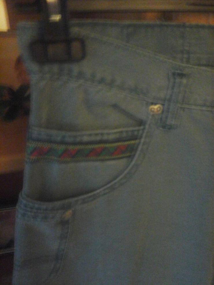 Bild 2: grünliche Hose