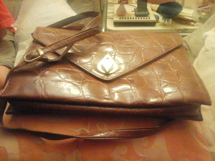 braune Lederhandtasche