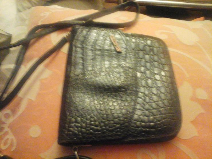 schwarze Krokolederhandtasche - Taschen & Rucksäcke - Bild 1