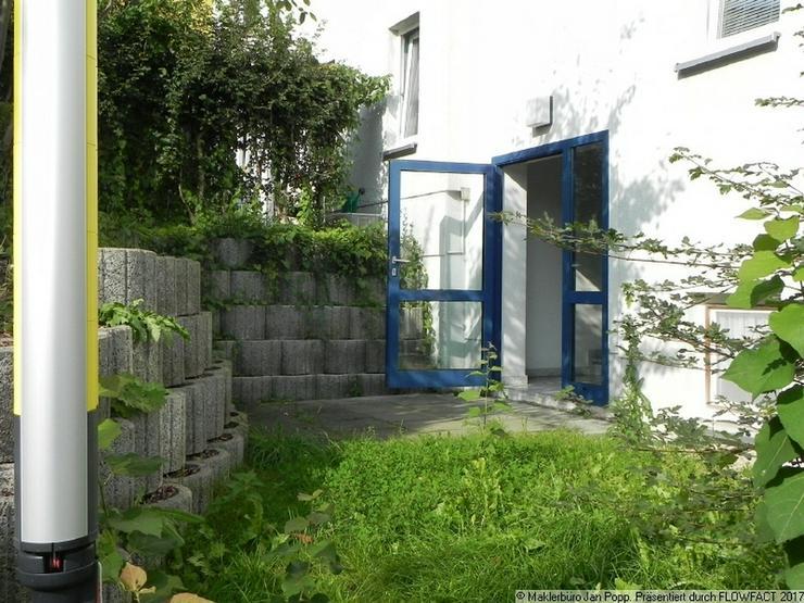 Bild 9: Zweiraumwohnung mit Einbauküche und Balkon
